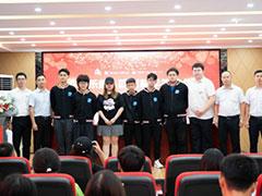 【锋芒毕露】AG俱乐部又一次签约新华5名电竞天才少年!